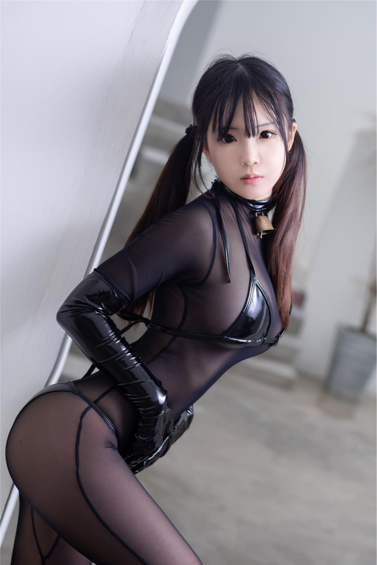 御子Yumiko-紧身衣漆皮私房
