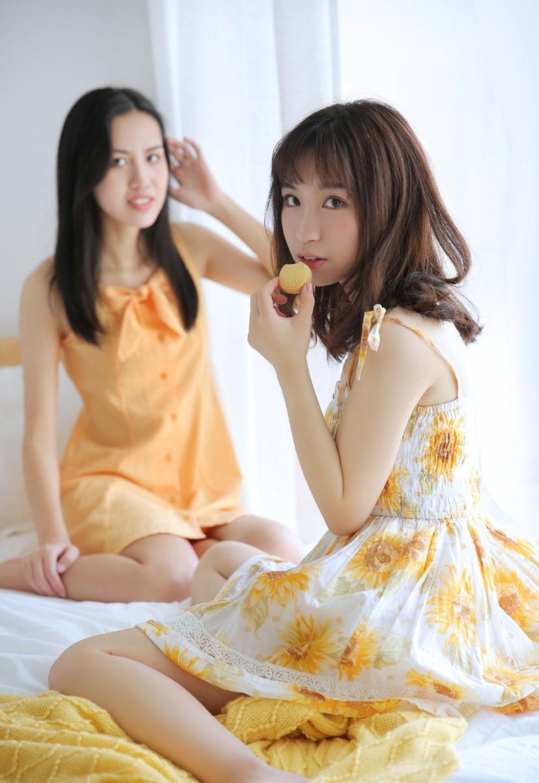 床上美女姐妹花闺蜜情性感私房艺术照片