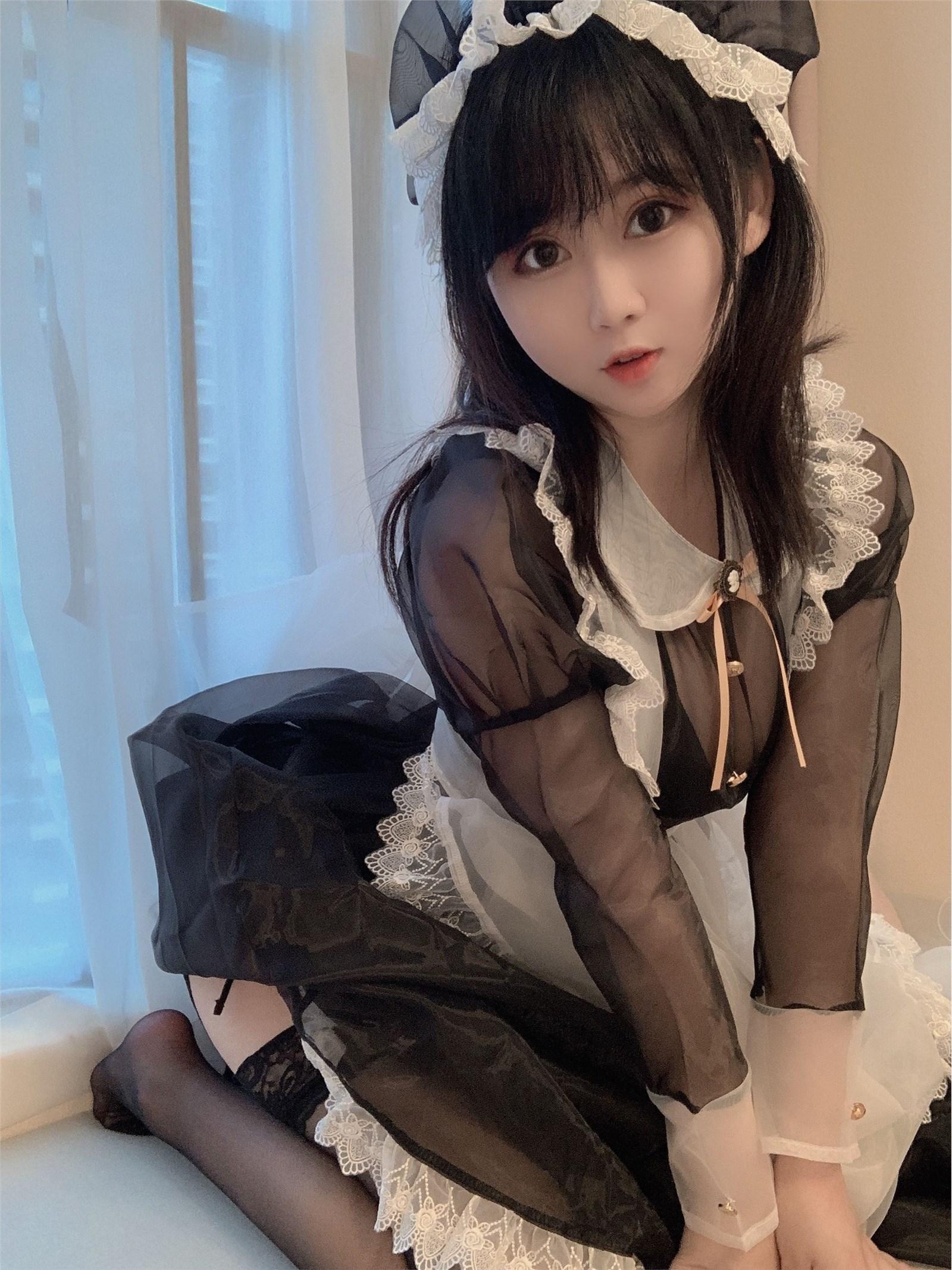 是依酱吖 NO.001 透明女仆(4)