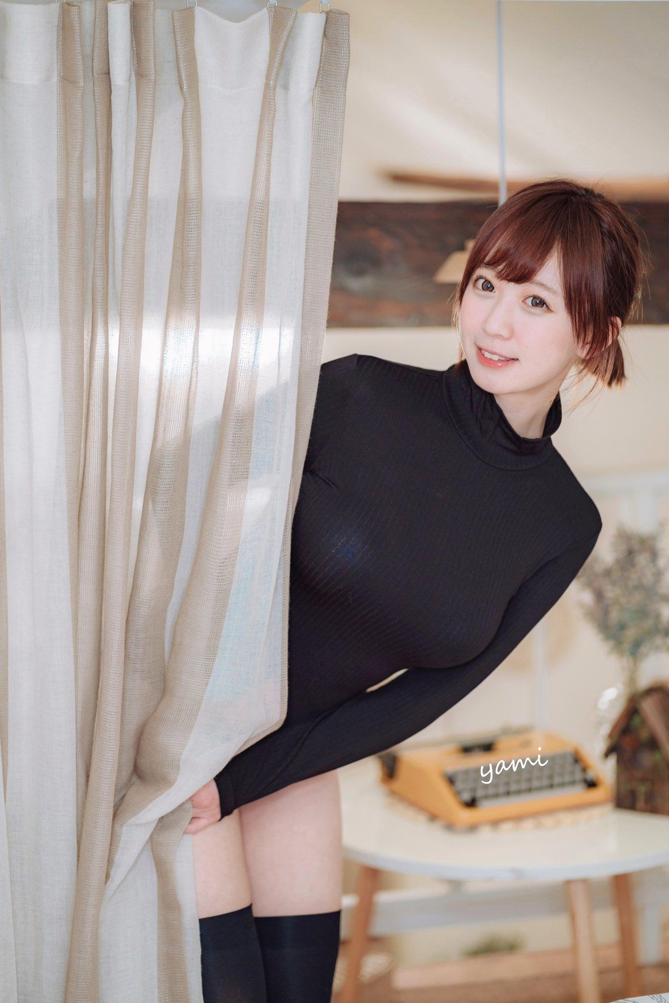 童颜巨乳COSER小姐姐yami推特图集 Yami-twitter3
