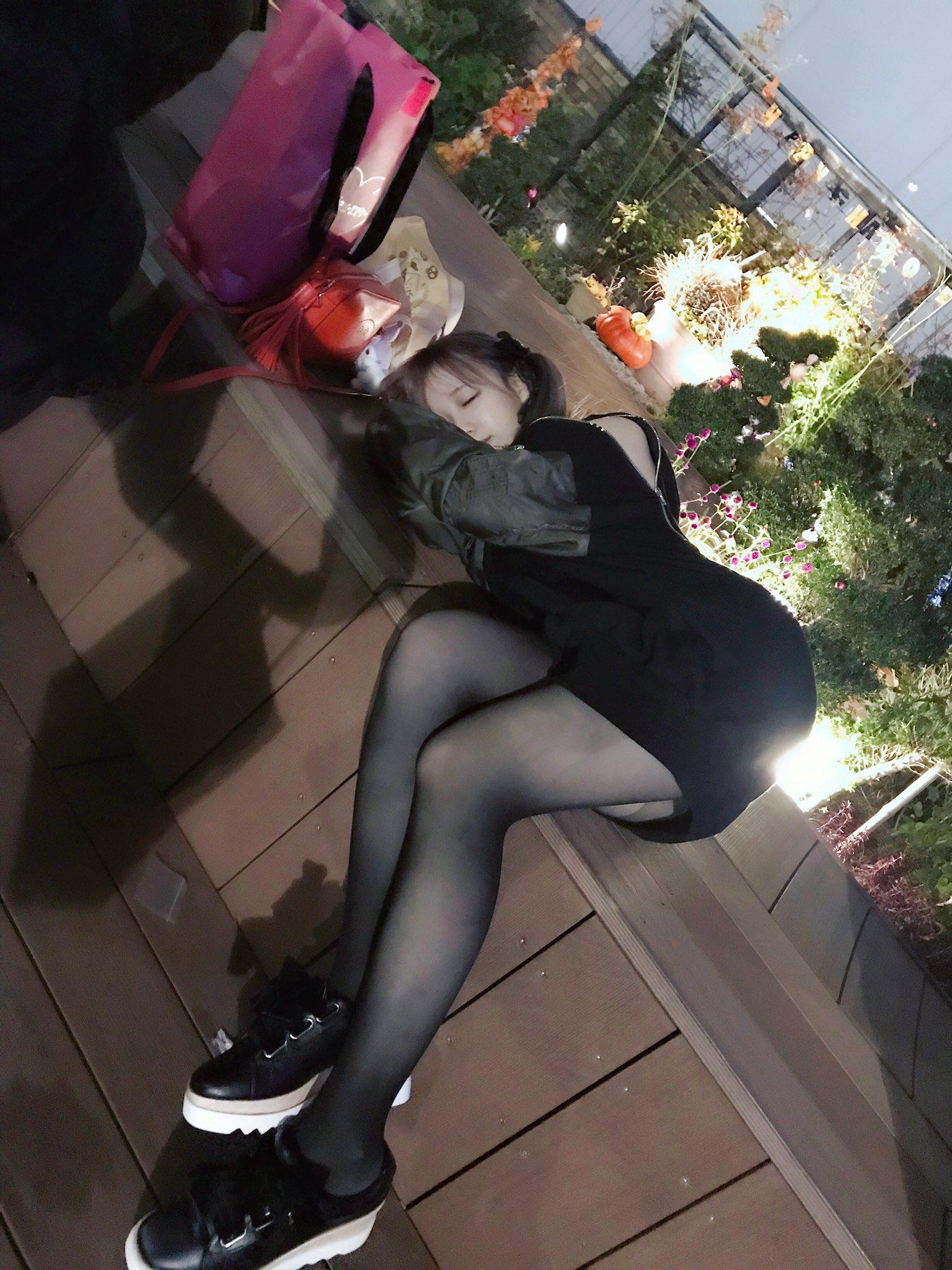 童颜巨乳COSER小姐姐yami推特图集 Yami-twitter9(14)