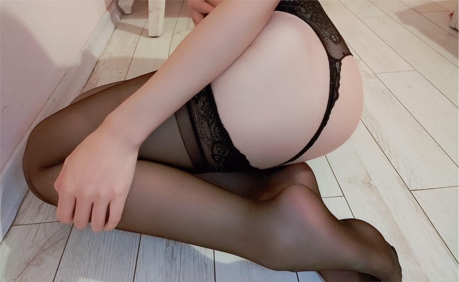 斗鱼小小玉酱 - NO.02 巨乳黑丝