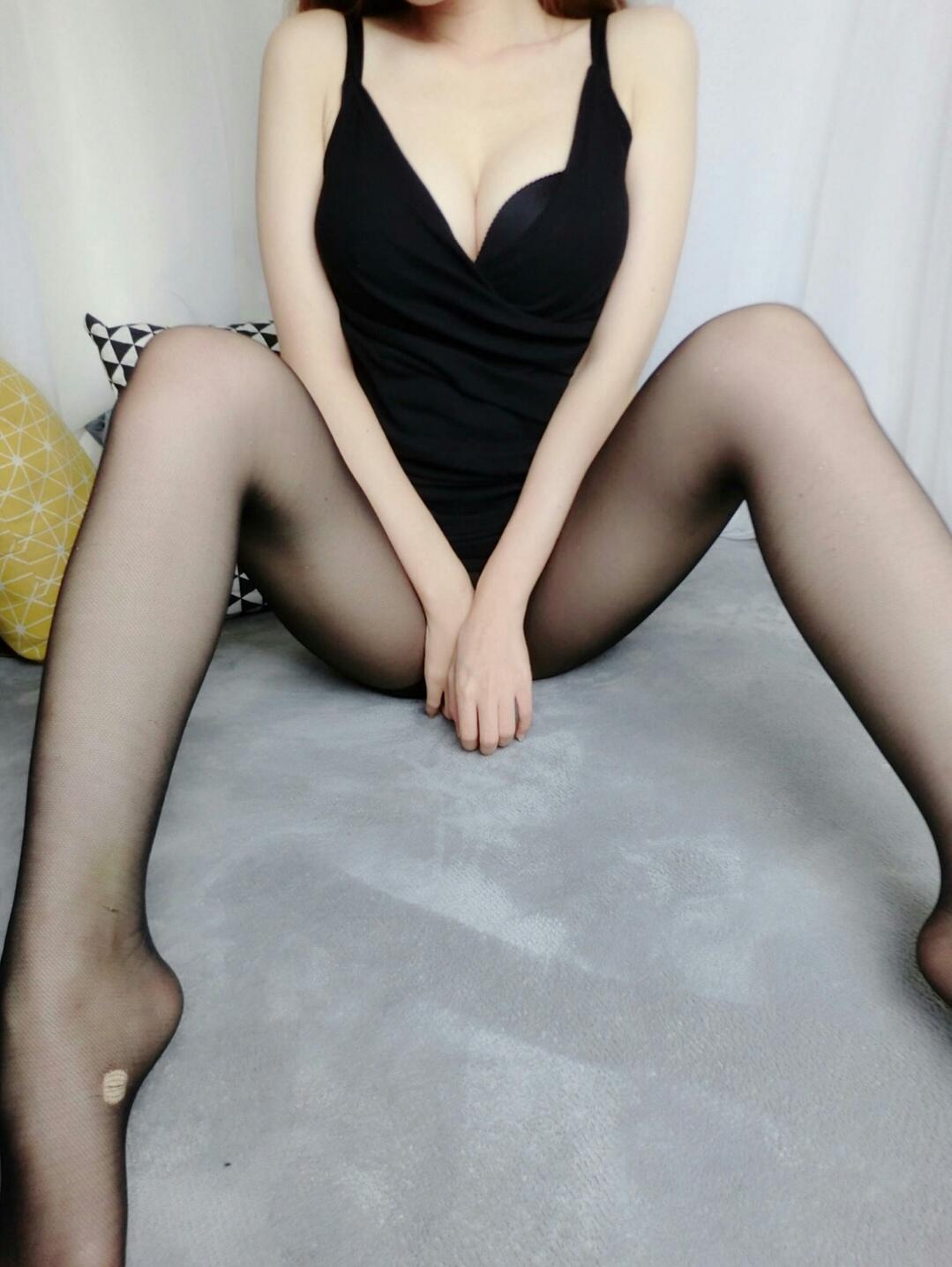 福利姬隔壁小姐姐 - 黑色丝袜